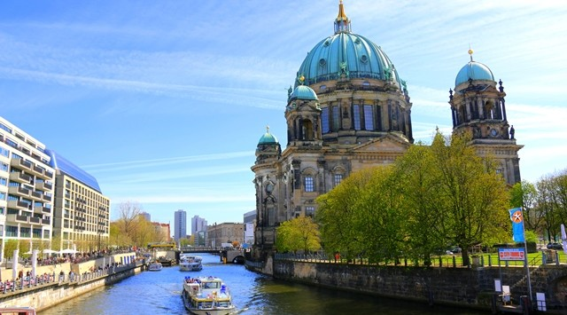 The Berlin Cathedral - gorgeous day in Berlin!