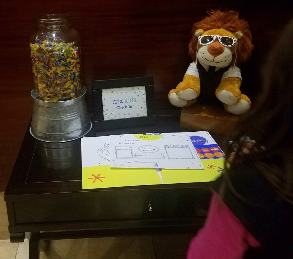 Check in counter for the little ones:) How cool is that?!?